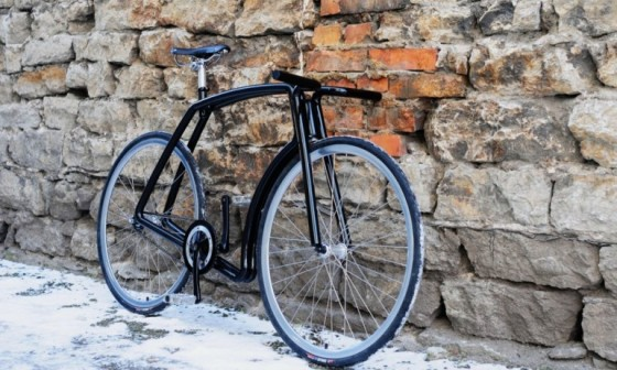 The Viks is a stainless steel fixed-gear commuter bike, made in Estonia.